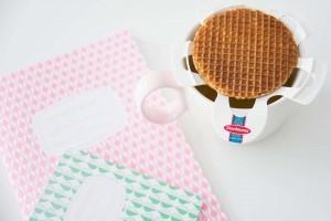Warme stroopwafel met de waffle warmer