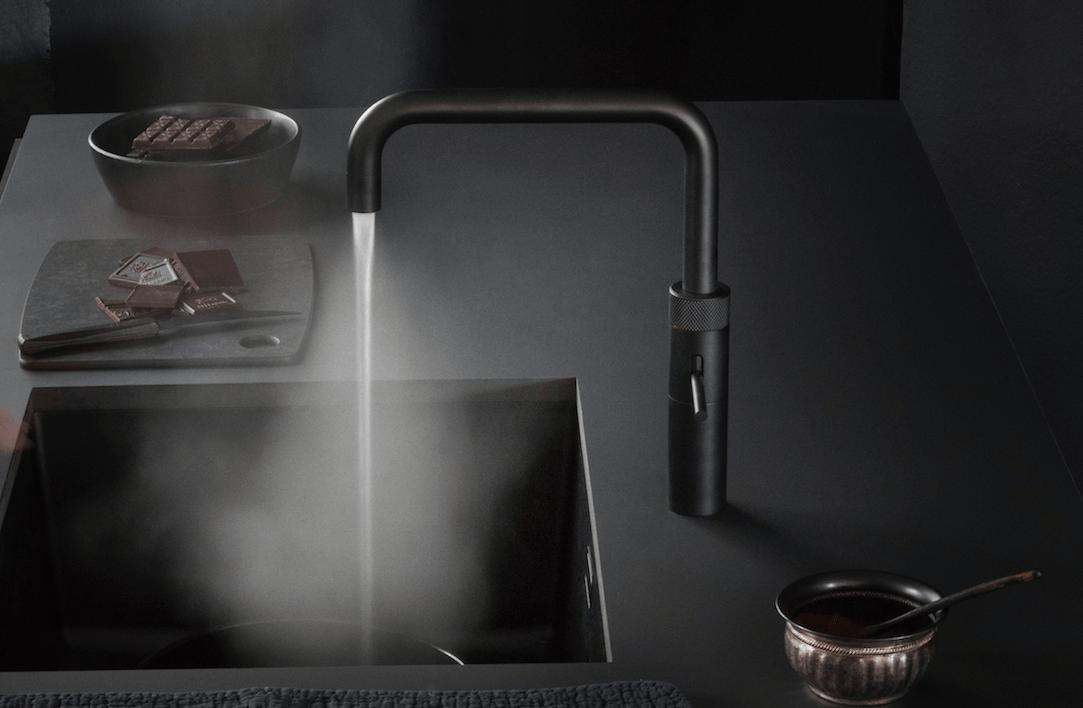 Test met kokendwaterkraan quooker zwart testhut