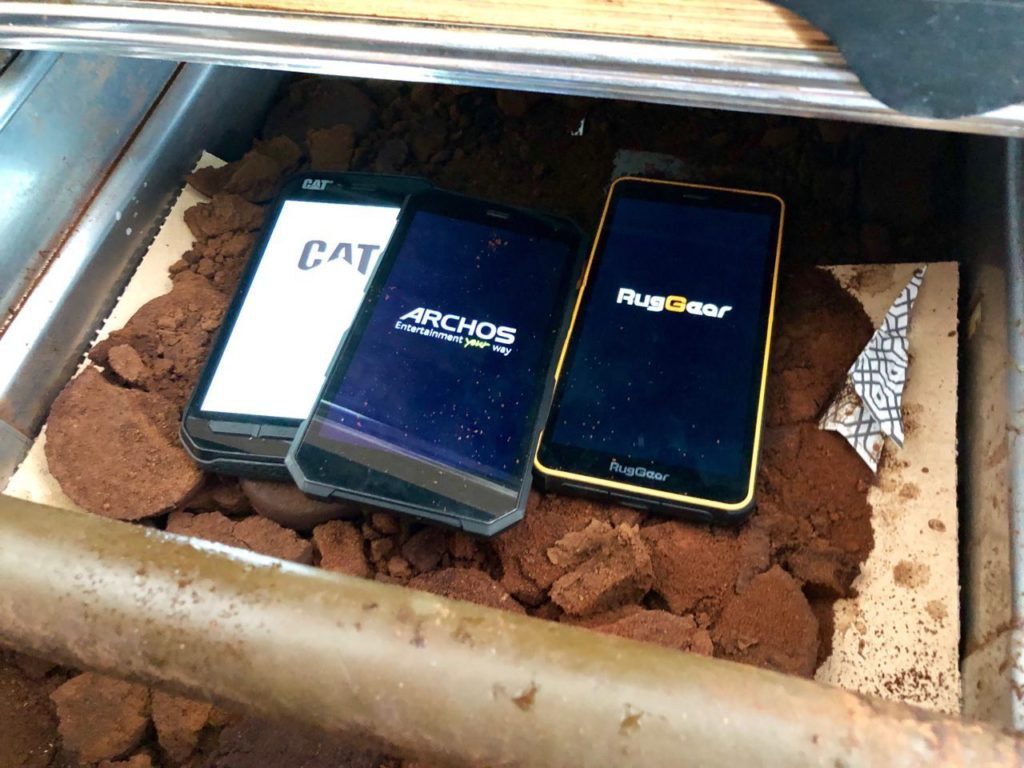 Rugged smartphones in de test